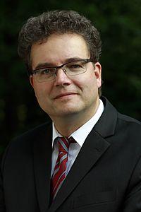 Dr. Oliver Klapp
